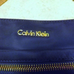 NWOT Calvin Klein Navy Blue Crossbody w/adj. strap